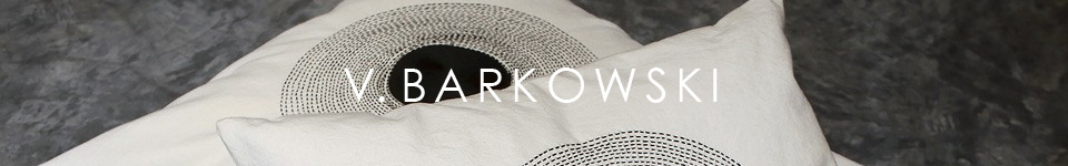 embroideries-collection-black-cushions-valerie-barkowski-event