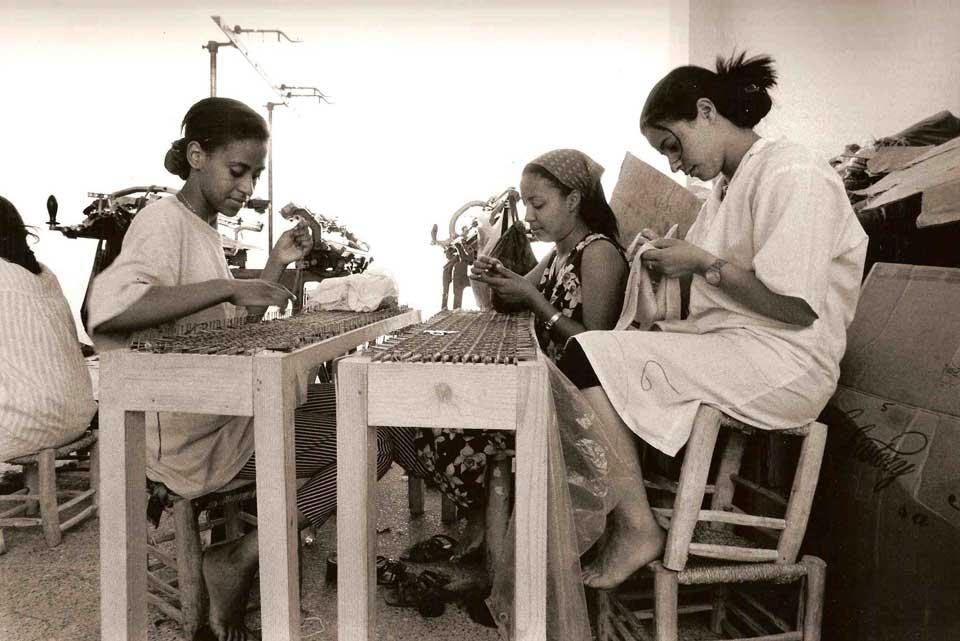 Jean-Marc Ferrière à l'atelier de tricotage - Maroc
