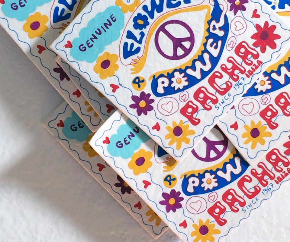 Bijoux Flower Power en vente au Pacha à Ibiza - by Valérie Barkowski