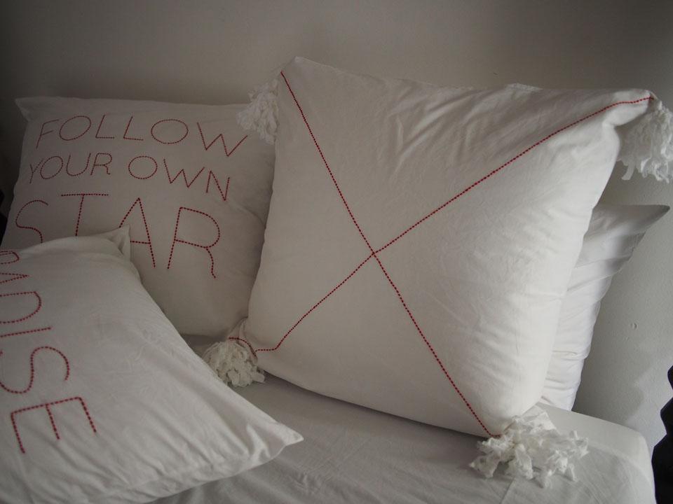 bed-linen-fonts-embroidery-design-v-barkowski.jpg