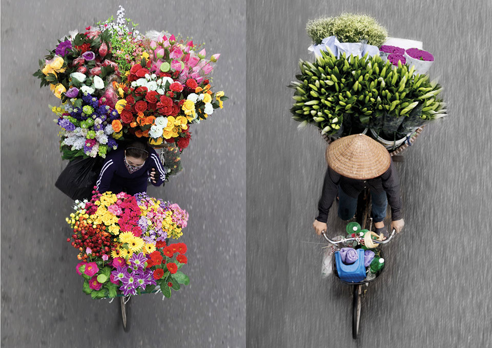 flower bicycles loes heerinck photo
